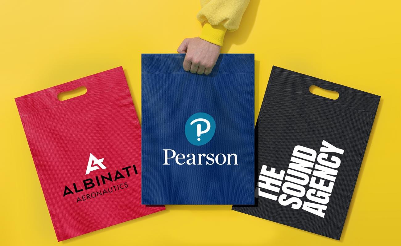 Compact - Egyedi szállít táskák